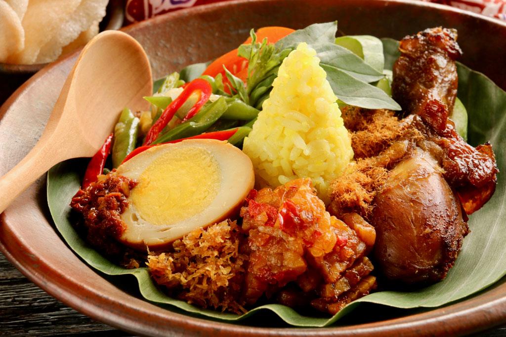 Indonesian Steamed Yellow Rice Nasi Kuning Navil Natural